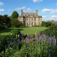 Moreton in the Marsh & Bourton House Gardens