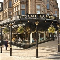 Harrogate & Afternoon Tea at Betty's