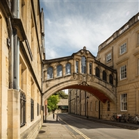 Walk In The Footsteps of Morse Oxford Walking Tour